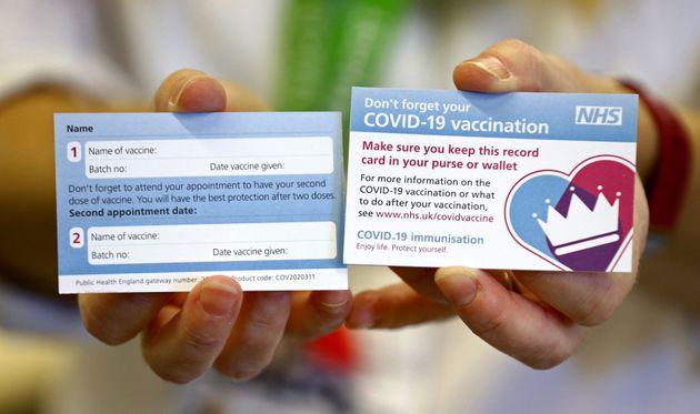 Η αρχή του τέλους: Έναρξη μαζικών εμβολιασμών για κορονοϊό στην