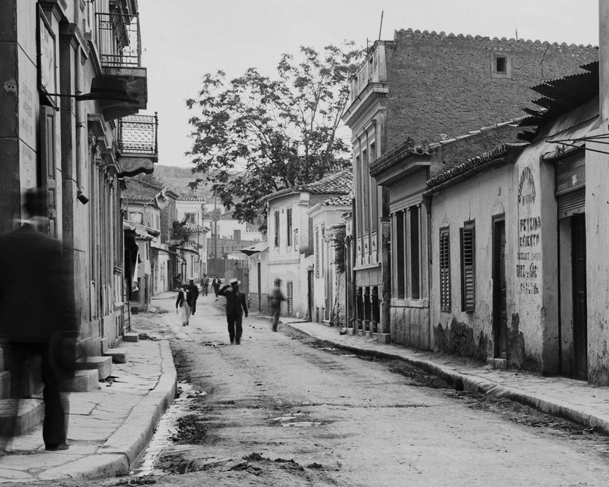 Η γειτονιά Βρυσάκι κάτω από την Ακρόπολη που γκρεμίστηκε και τα γραφικά στενά της